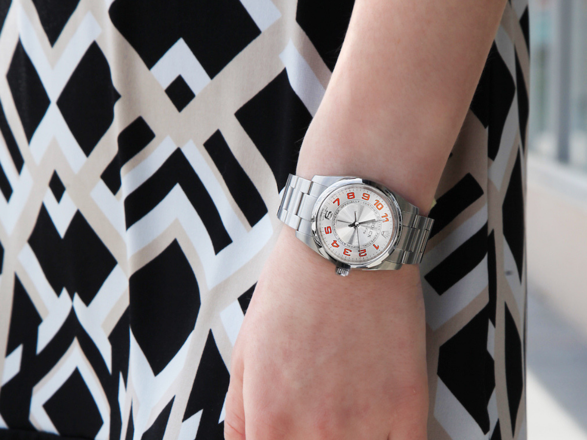 6 Men S Watches That Women Can Rock The Watch Club By